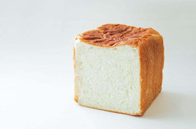 子供の朝食のパン